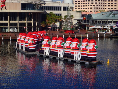 Darling Harbour Santa Fest 1
